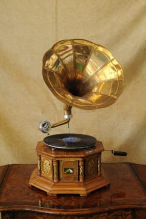 Grammofono Antico - Antiquariato Monte - Grammofoni in stile antico