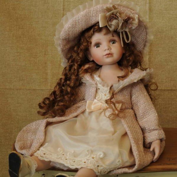 Oggetti di antiquariato pagina 1 -bambole di ceramiche