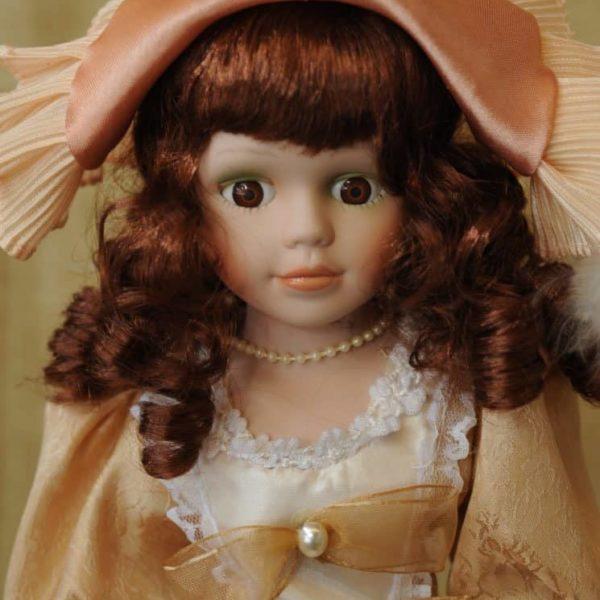 Vendita bambole in ceramica - Bambola Ingrid - Bambole da collezione - Bambole in porcellana